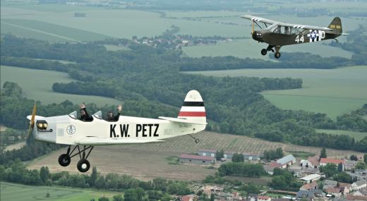 Historická letecká technika